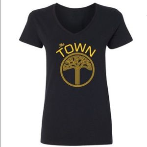 Tops - 🌿Golden State Warriors The Town Graphic Tee